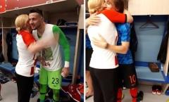 Cách đặc biệt mà nữ Tổng thống Croatia cổ vũ đội bóng nước nhà
