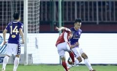Vì sao trọng tài không thổi penalty cho Công Phượng và đồng đội?