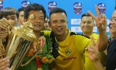 HLV Văn Sỹ muốn gắn bó lâu dài với Nam Định sau khi lên hạng