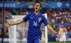 Tiền đạo Croatia bị đuổi về nước từ chối nhận HCB