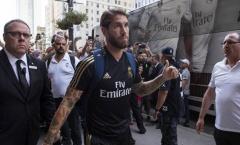 Chọn lâm tặc làm 'nghề tay trái', Ramos nhận án phạt nặng từ BLĐ thành phố