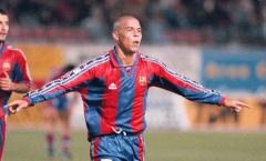 Fan Barca: 'Còn lâu Ronaldo mới sánh vai được với cái tên này'