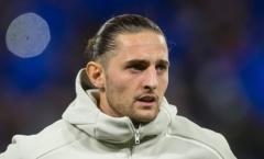 Man Utd mua tiền vệ từ Juventus: Gặp khó vì mẹ của ngôi sao