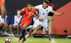 'Cơn bão' Chile 'cuốn phăng' Colombia trong 12 phút đầu