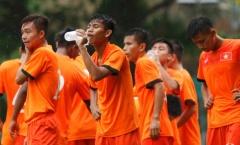 Phnompenh mưa lất phất, U16 Việt Nam vẫn tập cật lực