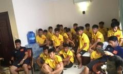 """Thầy trò U16 Việt Nam """"mổ xẻ"""" U16 Campuchia trước trận bán kết"""