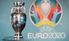 UEFA cân nhắc lùi tổ chức EURO lại 1 năm
