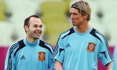 'Thật kỳ lạ, Torres! Cậu chưa đi mà tớ đã nhớ rồi'