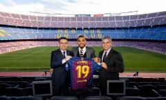 Tân binh hạnh phúc vô bờ bến ngày chính thức ra mắt Barca