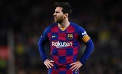 Ở tuổi 32, Messi đang bị bóp nghẹt trong màn kịch kệch cỡm của Barca