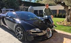 Ronaldo chi tiền tấn để... đậu xe