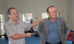 Ông Nghĩa từ chức, doanh nhân Hoài Nam không ứng cử VFF, Bầu Đức tiếp tục trả lương cho thầy Park?