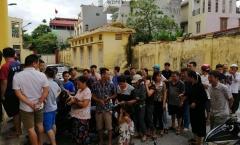 CĐV Nam Định xếp hàng mua vé vào sân 'tiếp lửa' cho các cầu thủ ở trận đấu với HAGL