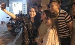Nhà vô địch AFF Cup 2018, Phan Văn Đức hạnh phúc bên người thân