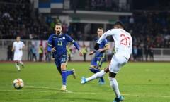 Sao Man Utd nổ súng, Anh đại thắng trước Kosovo