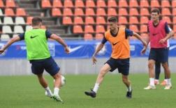 Học trò mướt mồ hôi, Lampard vẫn hả hê đứng nhìn