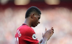 CĐV Man Utd: 'Giờ thì ai đá phạt đền đây?'