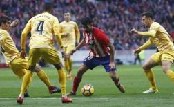Bị Girona cầm hòa, Atletico có nguy cơ bị Barca nới rộng khoảng cách