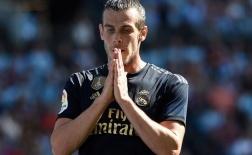 Mặc xác đồng đội vã mồ hôi, Bale tranh thủ 'làm một giấc'