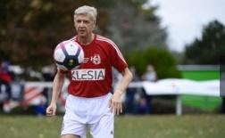 KHÔNG TƯỞNG: Wenger tái xuất trong vai trò... cầu thủ