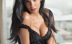 Rocio Miranda: Nữ VĐV bóng chuyền đẹp như hoa hậu của Peru