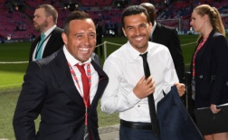 Không thi đấu, Cazorla đi 'thám thính' Chelsea giúp Arsenal