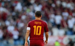 Top 10 bàn thắng đẹp nhất trong sự nghiệp của Totti