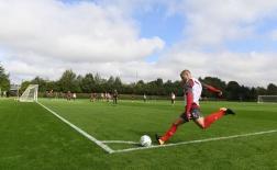 Wilshere xuống tóc, chờ Wenger trao cơ hội tại League Cup
