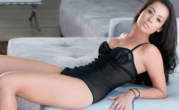 Ashley Doris - Mỹ nữ playboy xinh đẹp nức tiếng