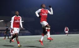 Đội trẻ Arsenal xô xát trong ngày hai thần đồng tỏa sáng