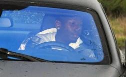 Paul Pogba lái siêu xe, hí hửng đến sân tập