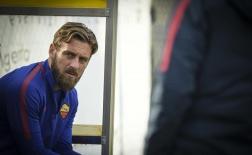 Hòa tức tưởi Inter, Roma 'ăn vạ', ở lỳ không chịu về