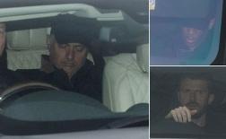 Mourinho lại ngủ gà ngủ gật đến sân tập Man Utd