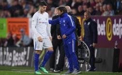 Morata lại hóa 'chân gỗ', Chelsea thoát hiểm nhờ cái tên không ngờ tới