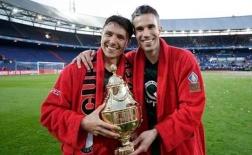 Van Persie ghi bàn ảo diệu giúp Feyenoord vô địch Hà Lan
