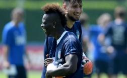 Balotelli trở lại, sân tập của Italia cũng nhộn hẳn ra