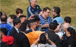 NHM 'tấn công' khu tập luyện Argentina chỉ để chụp ảnh cùng Messi