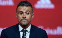 Người cũ Barcelona chính thức ra mắt trên vai trò HLV trưởng La Roja
