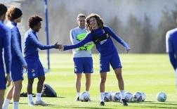 Chiến Liverpool, Sarri trao cơ hội cho 'Gulitt mới'?