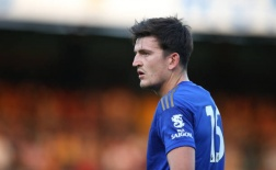 Không chỉ tiếp tục ra sân, Maguire còn có hành động 'kinh ngạc'