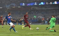 CHOÁNG! Van Dijk gây sửng sốt, tạo 'cú lừa' kiến tạo cho đối thủ sút tung lưới Liverpool
