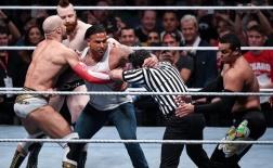 13 sao bóng đá và các 'nghề tay trái' gây sốc: Từ WWE đến thợ xăm