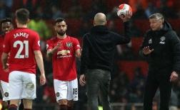 10 khoảnh khắc đáng nhớ nhất Premier League 2019/20: Guardiola 'bẽ mặt' tại Old Trafford