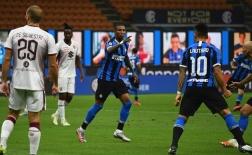 Pha phối hợp đẳng cấp của Sanchez và Young khiến Conte phấn khích