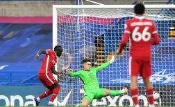 10 hình ảnh ấn tượng vòng 2 EPL: Mane 'nhấn chìm' hàng thủ Chelsea