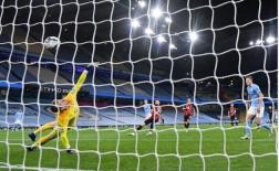 Cầu cứu công thần, Man City nhọc nhằn giành chiến thắng trước Bournemouth