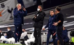 SỐC! Gạt tình thầy trò, Mourinho chửi thẳng mặt Lampard cực gay gắt