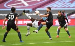 Siêu phẩm của Rooney được tái hiện, Man City sẩy chân trước West Ham