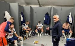 Loạt bài đăng hài hước của 'U57' Mourinho trên Instagram