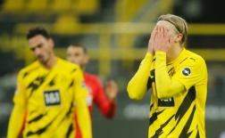 Haaland có pha xử lý 'đi vào lòng đất' khiến Dortmund thua trận